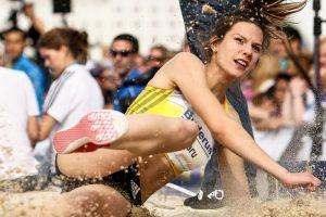 """Alina Rotaru, una dintre speranţele României la atletism: """"Când m-au dus părinţii mei prima dată pe pistă, am zis «Mulţumesc, Doamne, că în sfârşit m-au ascultat!»"""""""